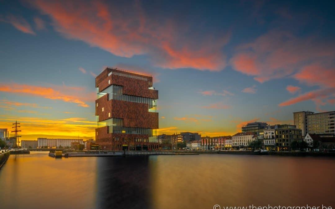 Een prachtige zonsopgang aan het MAS in Antwerpen