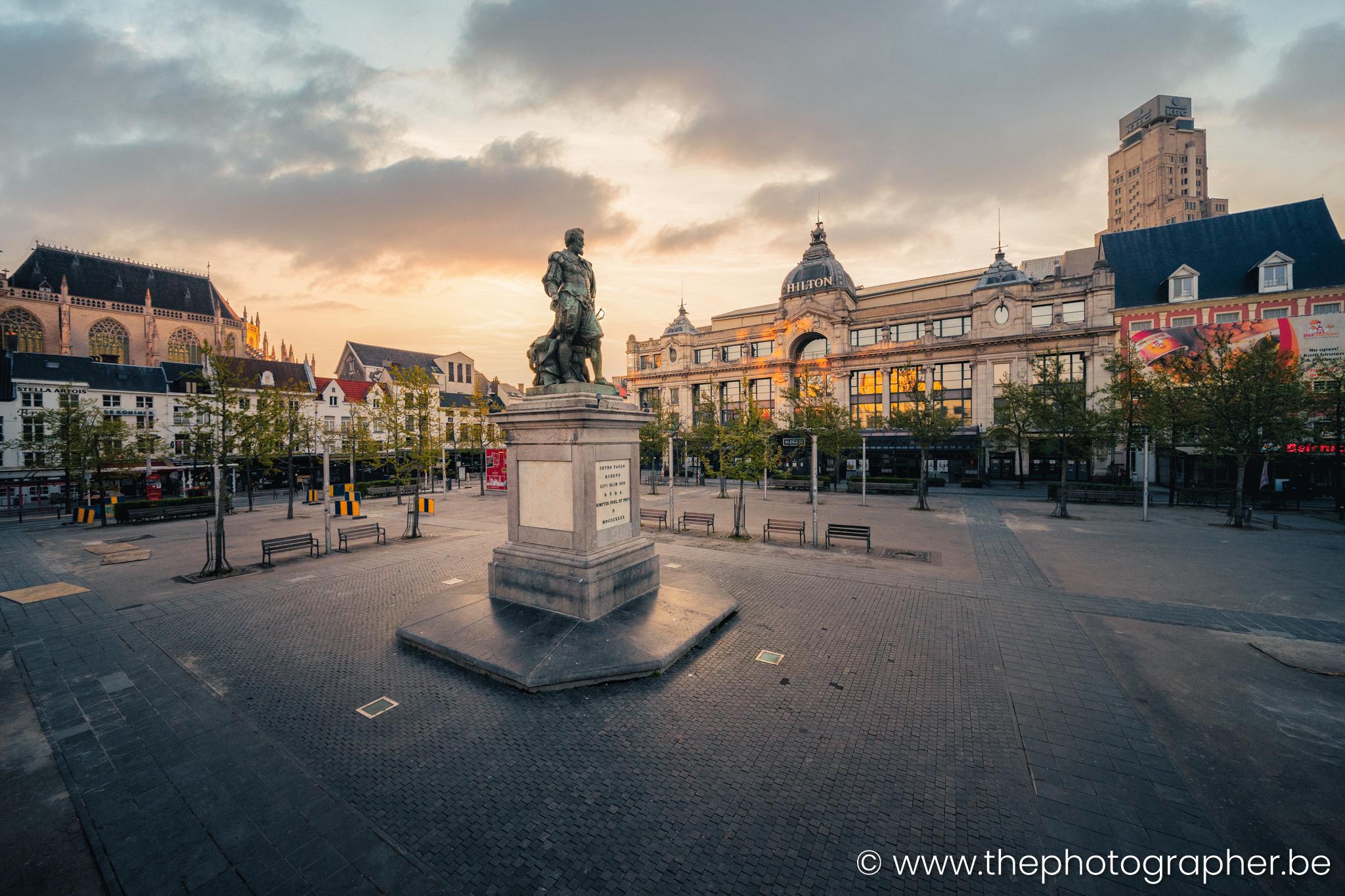 Lonely Antwerp bewerkt